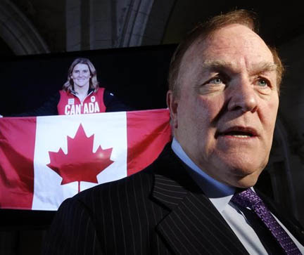 Marcel Aubut speaks to journalists in Ottawa in this file photo from January 2014.