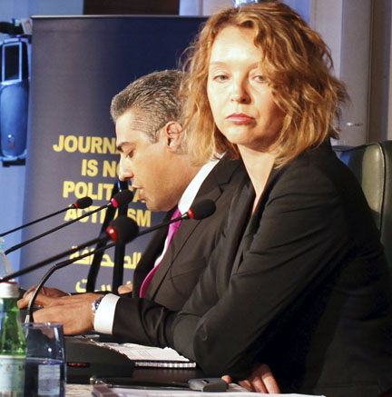 Mohamed Fahmy (L) and his lawyer Joanna Gialason attend a news conference in Cairo. (Photo: Asmaa Waguih/Reuters)