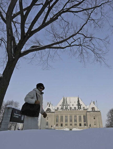 Defence counsel are not subject to the high standard Crowns must meet when leading evidence at trial, ruled the SCC. (Photo: Chris Wattie/Reuters)